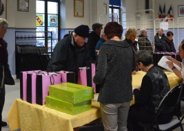 DISTRIBUTION DE COFFRETS GOURMANDS AUX SENIORS
